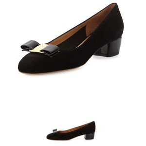 Black suede Salvatore Ferragamo Vara pumps
